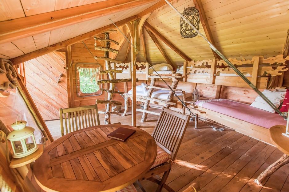 cabane familiale gironde cabanes la romaningue. Black Bedroom Furniture Sets. Home Design Ideas